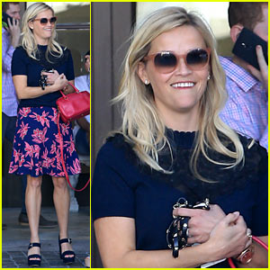 Reese Witherspoon Shows Her Team USA Pride During the 2016 Rio Olympics!