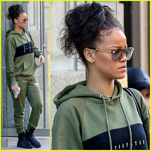 Rihanna Wears a Matching Sweatsuit for NYC Outing