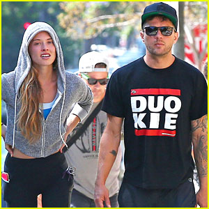 Ryan Phillippe & Fiancee Paulina Slagter Get In a Weekend Hike