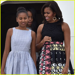 Sasha Obama is Working at a Seafood Restaurant This Summer!