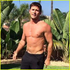Scott Eastwood Goes Shirtless For 22 Push-Up Challenge | 22