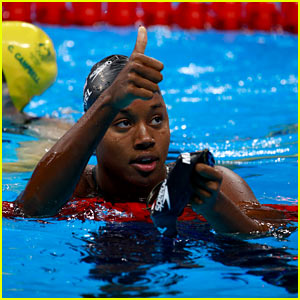 Simone Manuel Wins Silver Medal in Women's 50m Freestyle!