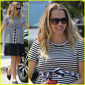 Teresa Palmer Heads to the Park to Prep for Baby Number Two!