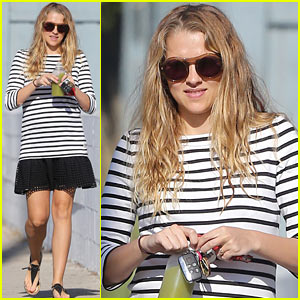 Teresa Palmer Hiked to the Hollywood Sign With Her Son & Baby Bump!