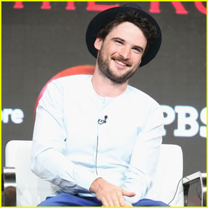 Tom Sturridge Brings 'The Hollow Crown' to TCA 2016