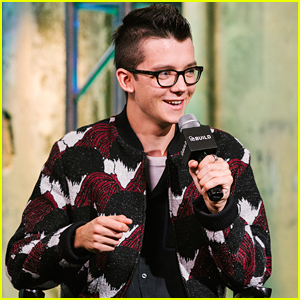 Asa Butterfield Promotes 'Miss Peregrine' During Build Series Stop