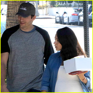 Ashton Kutcher & Pregnant Mila Kunis Load Up on Sweets