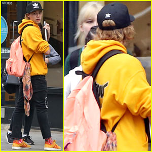 Brooklyn Beckham Reps Justin Bieber's Tour Sweatshirt!