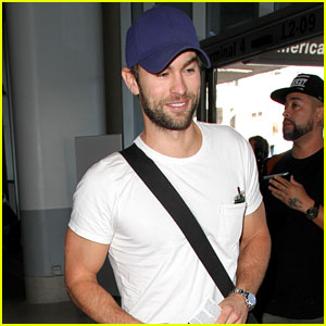 Chace Crawford Puts Muscles On Display in a Tight Tee