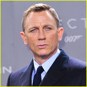 Daniel Craig Looks So Different in His New Movie!
