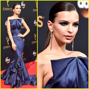 Emily Ratajkowski Goes Sexy in Navy at 2016 Emmy Awards!
