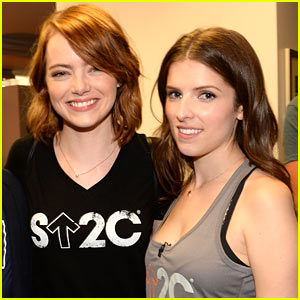 Emma Stone & Anna Kendrick Team Up at the Stand Up to Cancer Telecast