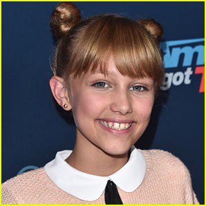 Grace VanderWaal Signs with Columbia Records Post 'America's Got Talent'!