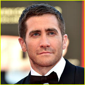 Jake Gyllenhaal Doesn't Manscape Down There, Tom Ford Says | Jake ...