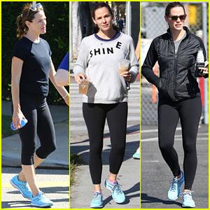 Jennifer Garner Spends Her Whole Weekend in Her Sneakers!