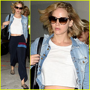 Jennifer Lawrence Kicks Off Her Weekend With a Flight Out of JFK