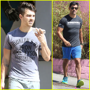 Joe Jonas & Mark Consuelos Hit the Gym Together!
