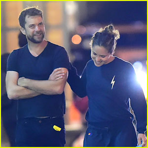 Joshua Jackson & Margarita Levieva Go for Late Night Dog Walk