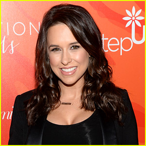 Mean Girls' Lacey Chabert Gives Birth to Baby Girl Julia