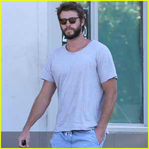 Liam Hemsworth Posts Major Throwback Pic With Miley Cyrus!