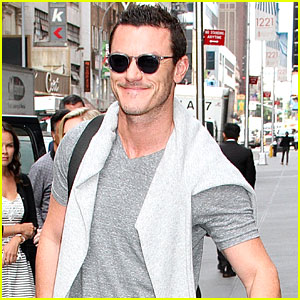 Luke Evans Says He Might Play Dracula Again!