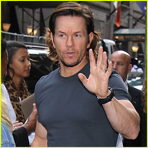 Mark Wahlberg Hilariously Raps During Interview - Watch Now!
