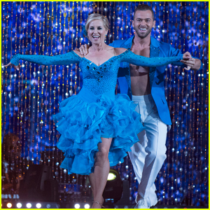 Maureen McCormick Does the Salsa on 'DWTS' Week 3 - Watch Now!