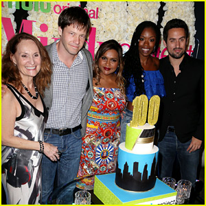Mindy Kaling Celebrates 100 Episodes of 'The Mindy Project'!