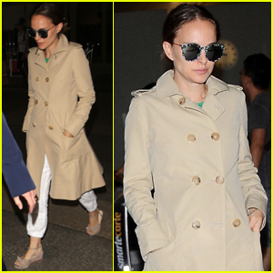 Pregnant Natalie Portman Arrives in Los Angeles After TIFF