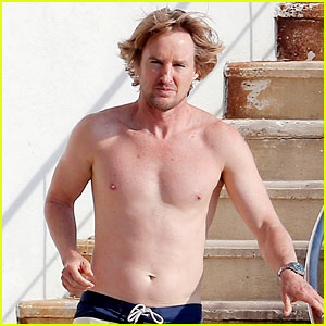 Owen Wilson Goes Shirtless & Bares Fit Body in France
