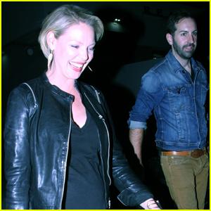 Pregnant Katherine Heigl Checks Out Husband Josh Kelley's Concert