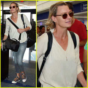 Robin Wright Jets Out of LA After Emmy Awards