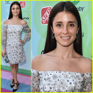 Shiri Appleby Considers Herself a Tracy Anderson DVD Junkie