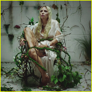 Skylar Grey Debuts Music Video For 'Come Up For Air', Produced by Eminem - WATCH!
