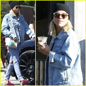 Sofia Richie Hangs Out with Friends in WeHo