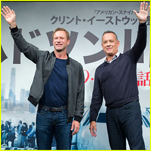 Tom Hanks & Aaron Eckhart Promote 'Sully' in Japan
