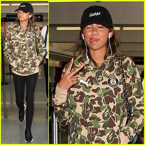 Zendaya Jets Out of LA To New York Fashion Week