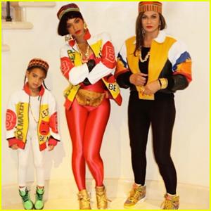 Beyoncé & Blue Ivy Dress Up As Salt-N-Pepa for Halloween!