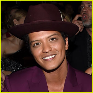 Bruno Mars to Open American Music Awards 2016!