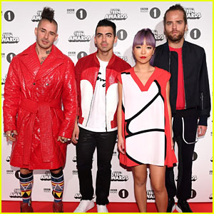 DNCE Brings the Party to BBC Radio 1 Teen Awards!