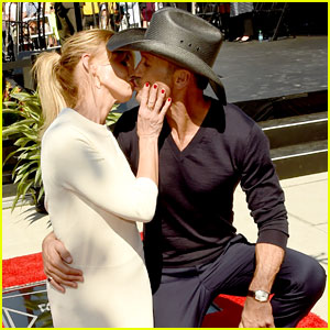 Faith Hill & Tim McGraw Share Sweet Kiss at Walk of Fame Induction!