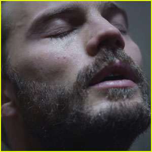 Jamie Dornan Strips Down & Takes Steamy Shower for 'The Fall' - Watch Now!