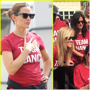 Jennifer Garner, Reese Witherspoon, & More Step Out for ALS Walk!