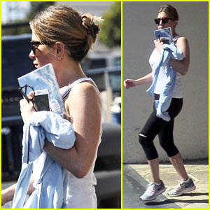 Jennifer Aniston Works Up a Sweat at the Gym