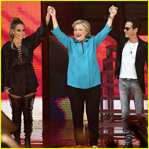 Hillary Clinton Joins Jennifer Lopez & Marc Anthony at Concert!