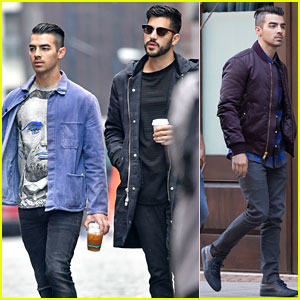Joe Jonas Grabs Coffee With Brother-in-Law Before New York Giants Game