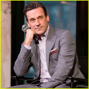 Jon Hamm Calls John Mulaney & Nick Kroll 'Good Friends'