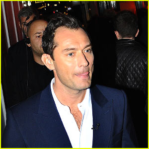 Jude Law Keeps Things Cool While Hanging Out in London