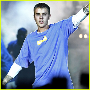 Justin Bieber Does a Mic Drop, Walks Off Stage After Fans Won't Stop Screaming