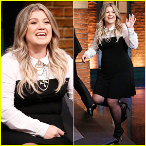 Kelly Clarkson Totally 'Butchered' President Obama's Name During First Meeting! (Video)